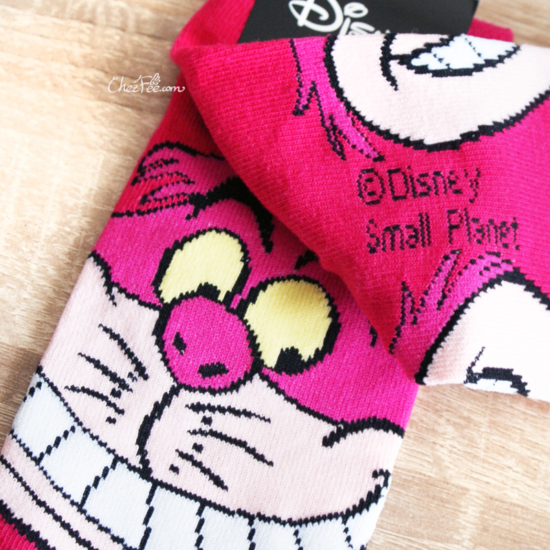 boutique kawaii shop chezfee chaussettes disney japan alice wonderland pays merveilles cheshire chat 2
