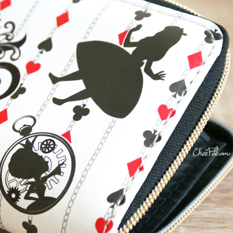 boutique kawaii shop chezfee portefeuille purse disney japan alice wonderland pays merveilles 5