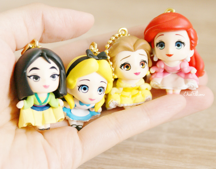 boutique kawaii shop chezfee gashapon figurine porte clef clip chibi disney princesses 7