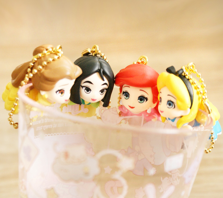 boutique kawaii shop chezfee gashapon figurine porte clef clip chibi disney princesses 9
