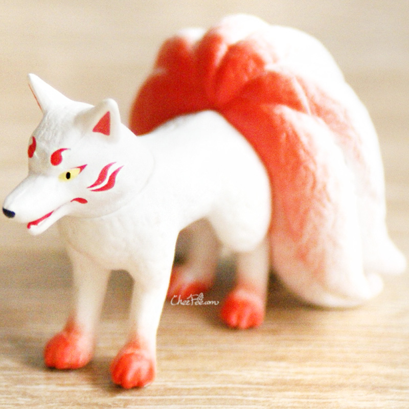 boutique kawaii shop chezfee gashapon renard neuf queue kyubiku blanc debout