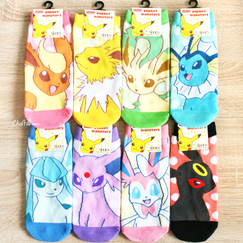 boutique kawaii shop chezfee chaussettes japonais pokemon evoli eevee 1