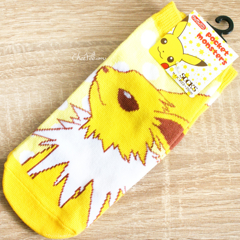 boutique kawaii shop chezfee chaussettes japonais pokemon evoli eevee voltali