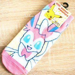 boutique-kawaii-shop-chezfee-chaussettes-japonais-pokemon-evoli-eevee-nymphali