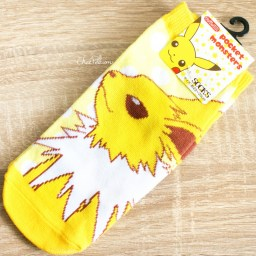 boutique-kawaii-shop-chezfee-chaussettes-japonais-pokemon-evoli-eevee-voltali