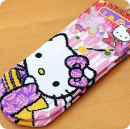 boutique-kawaii-shop-chezfee-com-nouvel-an-fete-japonais-tradition-chaussettes-hellokitty-sanrio-kimono-violet