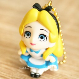 boutique-kawaii-shop-chezfee-gashapon-figurine-porte-clef-clip-chibi-disney-princesses-alice-1