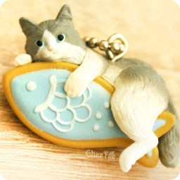 boutique-kawaii-shop-cute-chezfee-gachapon-france-straps-porte-clef-neko-cafe-chat-biscuit-bleu