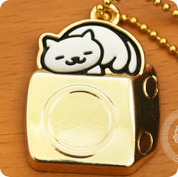 boutique-kawaii-shop-france-chezfee-com-gachapon-japonais-authentique-neko-atsume-charm-strap-or-blanc