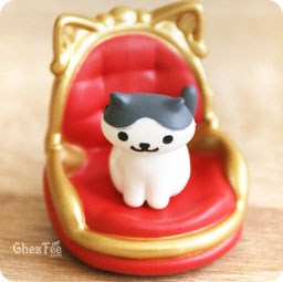 boutique-kawaii-shop-france-chezfee-gachapon-japonais-neko-atsume-figurine-version5-royal
