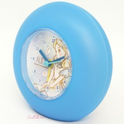 boutique-kawaii-shop-france-japonais-chezfee-disney-japan-alice-wonderland-horloge-rond-2
