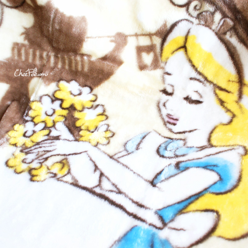 boutique kawaii shop chezfee france disney japan alice wonderland grande couverture polaire 5