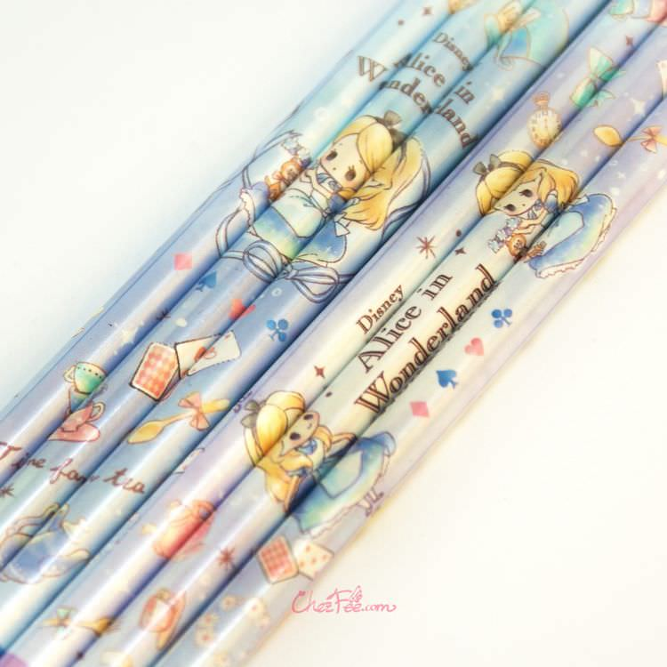 boutique kawaii shop france japonais chezfee disney japan alice wonderland chibi crayons 1