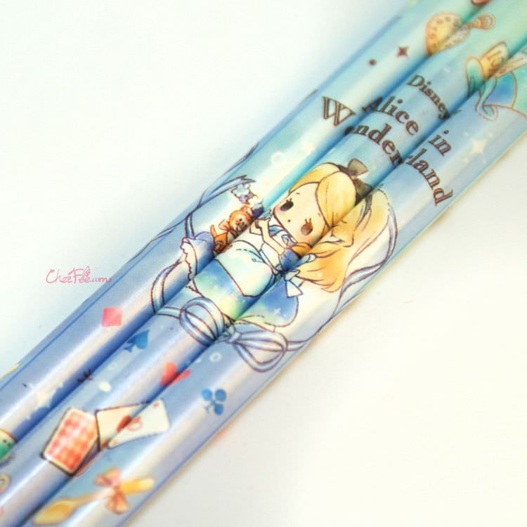 boutique kawaii shop france japonais chezfee disney japan alice wonderland chibi crayons bleu 2