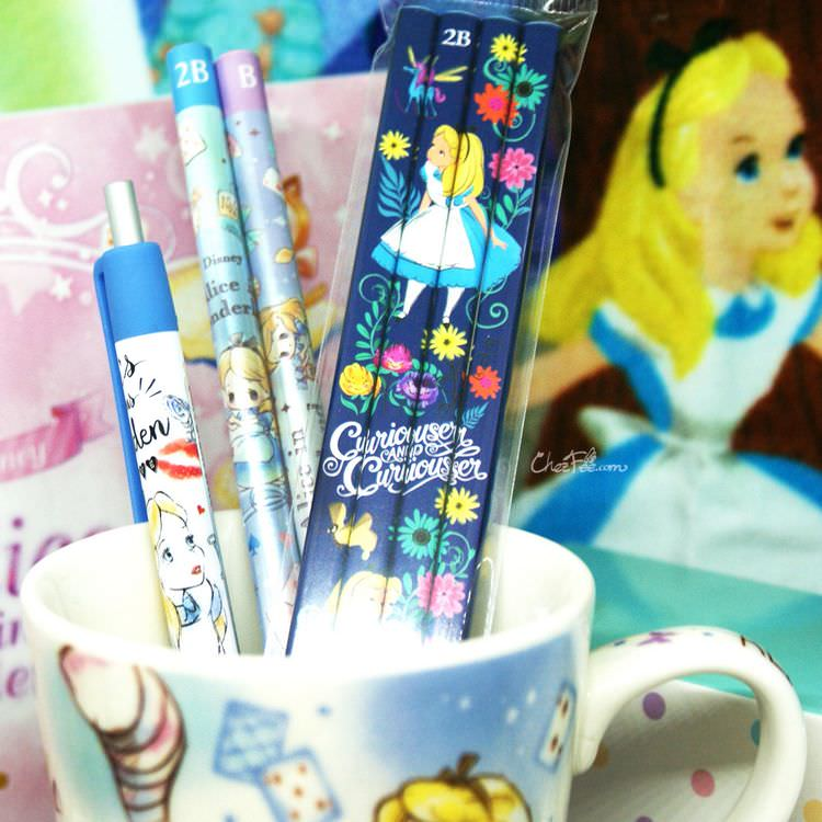 boutique kawaii shop france japonais chezfee disney japan alice wonderland papeterie 3