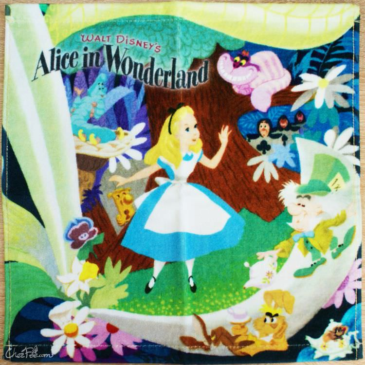 boutique kawaii shop france japonais chezfee disney japan alice wonderland serviette 1
