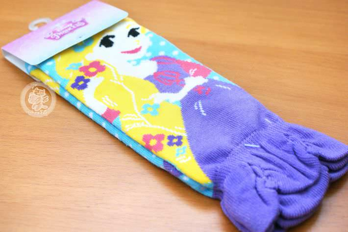 boutique shop kawaii france chezfee chaussette amusantes fantaisie disney japan princesse rapunzel 2