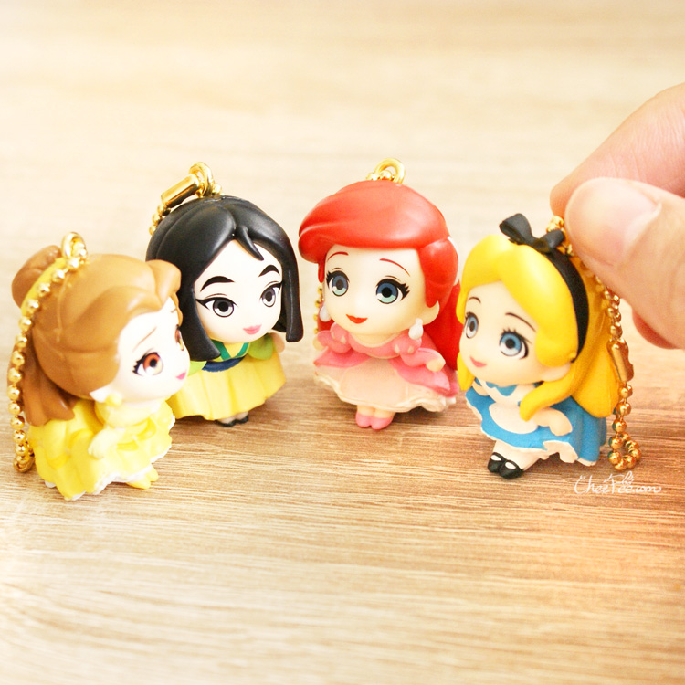boutique kawaii shop chezfee gashapon figurine porte clef clip chibi disney princesses 8