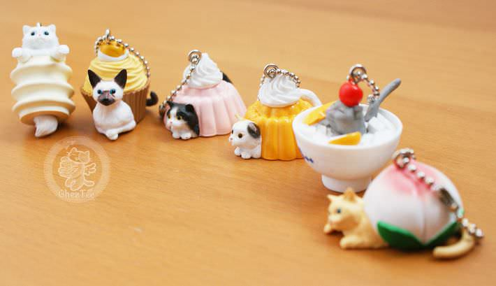 boutique kawaii shop chezfee com gachapon france straps porte clef neko cafe2