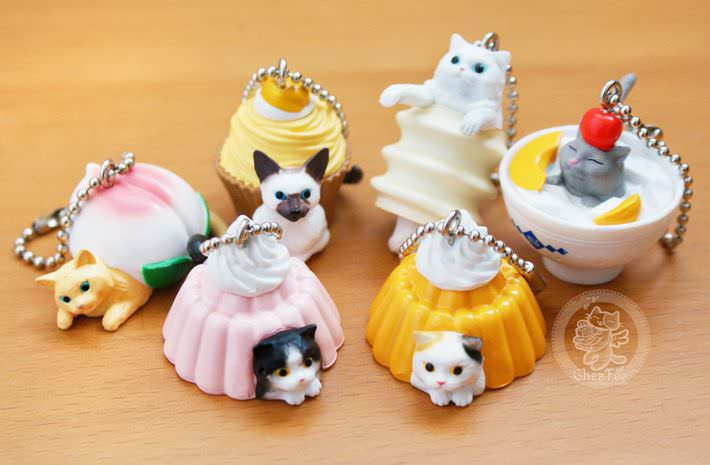 boutique kawaii shop chezfee com gachapon france straps porte clef neko cafe4