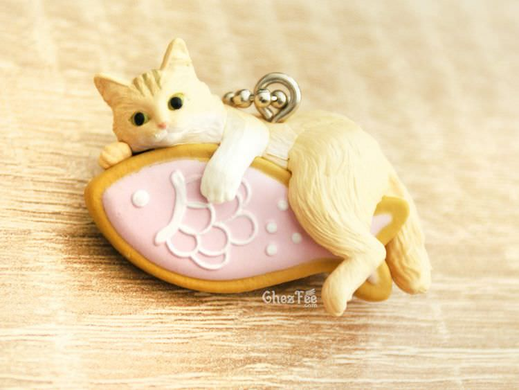 boutique kawaii shop cute chezfee gachapon france straps porte clef neko cafe chat biscuit rose 1