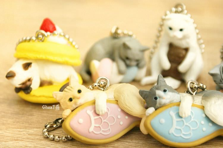 boutique kawaii shop cute chezfee gachapon france straps porte clef neko cafe chat gateaux 3