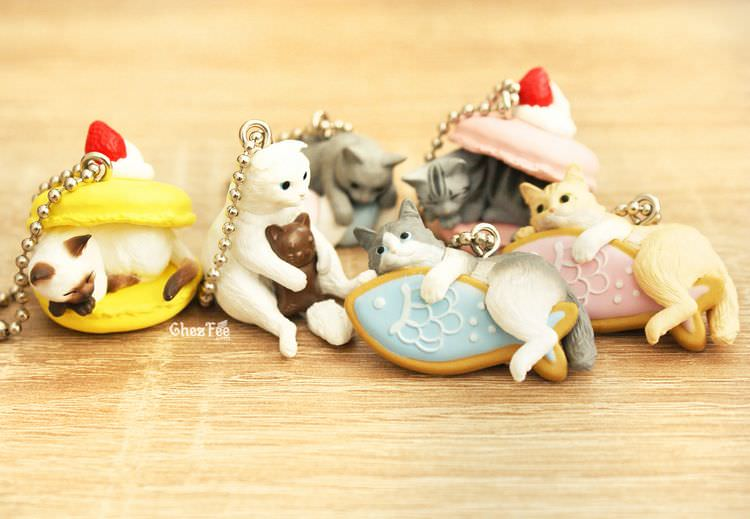 boutique kawaii shop cute chezfee gachapon france straps porte clef neko cafe chat gateaux 9