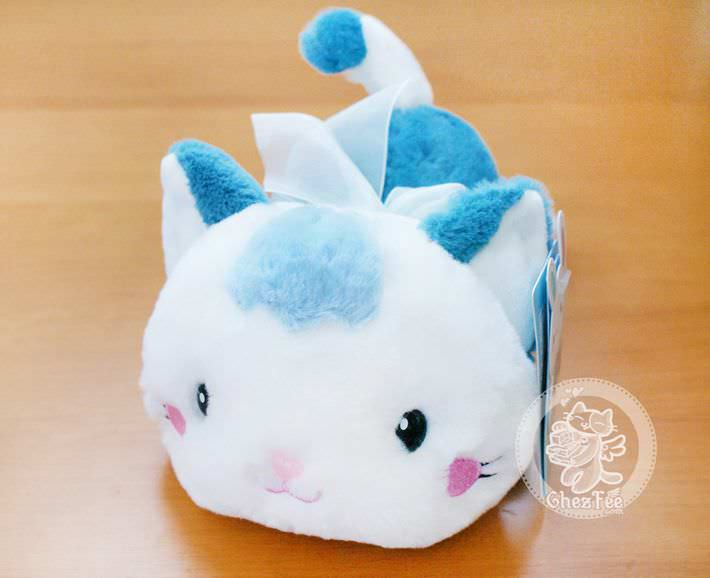 peluche-mignon-chat-allonge-boutique-kawaii-en-ligne-chezfee-com-bleu1
