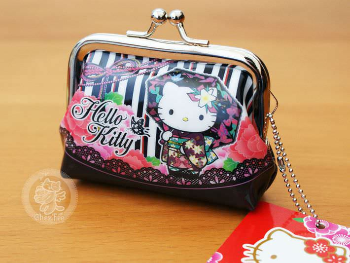 6a1bd5576 Hello Kitty en Kimono. boutique kawaii shop chezfee com nouvel an fete  japonais tradition sanrio hellokitty porte monnaie strap noir1