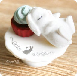 boutique-kawaii-authentique-chezfee-gashapon-gachapon-lapin-patisserie-blanc