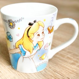 boutique-kawaii-shop-chezfee-disney-japan-alice-pays-merveilles-mug-sourire-2