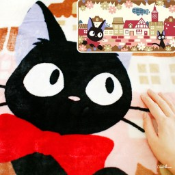 boutique-kawaii-shop-chezfee-france-studio-ghibli-couverture-polaire-jiji-chat-noir-2-