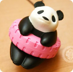 boutique-kawaii-shop-france-chezfee-com-gachapon-strap-porteclef-panda-squishy-jouer